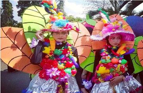 Siswa – Siswi SMPN 1 Plaosan Juara II Pawai Budaya Magetan 2015
